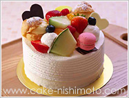 丸搾りデコレーションケーキ